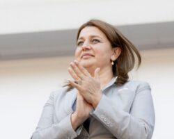 Супруга югоосетинского президента работает в «красной зоне»