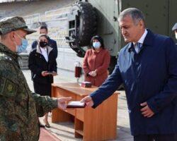 Глава РЮО наградил команду «ковид»-госпиталя из РФ