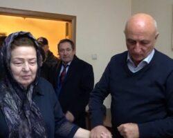 Семье Шанибова переданы средства на памятник Герою Абхазии