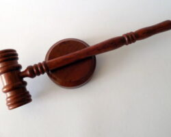 Экс-судья предстанет перед судом в КЧР
