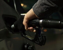 Доступность бензина: аналитики выдали картину по регионам СКФО