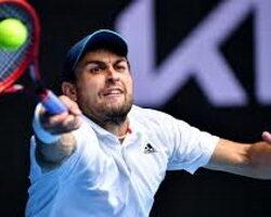 Уроженец Северной Осетии немного опустился в рейтинге профессиональных теннисистов